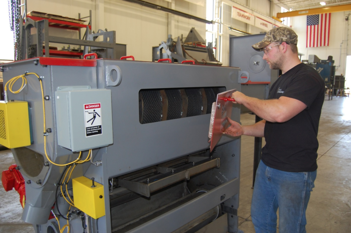 Shot Blasting Operation and maintenance training seminars. Blast Cleaning Technologies in Wisconsin and nationwide.
